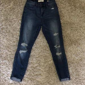 Dark blue ripped high rises jeggings